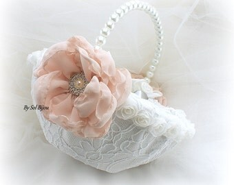 Flower Girl Basket, White, Blush, Pink, Round Basket, Lace Basket, Bridal, Wedding, Crystals, Pearl Handle, Vintage Style, Elegant, Gatsby
