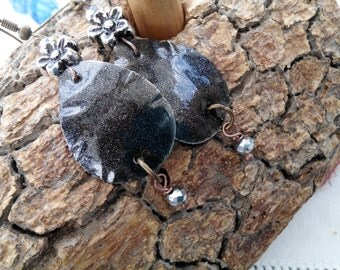 Upcycled Recycled Aluminum Earrings - DROPS - charcoal - tribal look