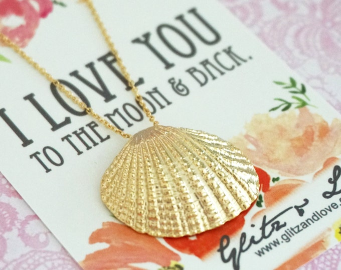 Simple Gold Sea Shell Necklace / Beach Nautical wedding, Sea bridesmaid bridal shower necklace, gifts for her