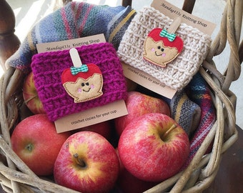 Caramel apple crochet coffee cozy, crochet cozy with candy apple, coffee sleeve,teacher gift, autumn coffee cozy, fall coffee cozy, psl