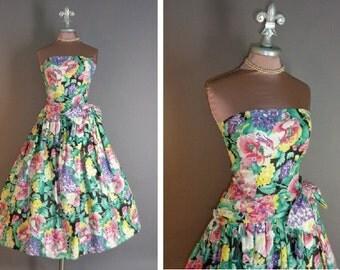 80s 50s inspired 1950s 1980s BLACK FLORAL PRINT flowers full skirt garden party cotton sun dress