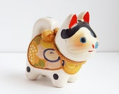 Cat Figurine, Tiny Japanese Calico Cat, Souvenir Of Japan, Cat Lover Decor, Travel Souvenir, Asian Decor