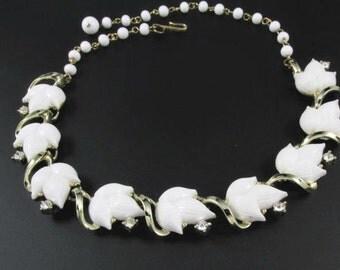 Lisner Thermoset Necklace, Rhinestone Necklace, White Leaf Necklace, Gold Necklace, Summer Necklace, Retro Necklace