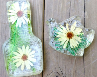 Vintage Colorflo Resin Spoon Rest and Tea Bag Caddy Daisy and Lace