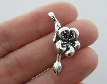 4 Flower charms antique silver tone F148