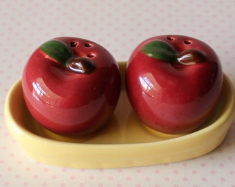 Vintage Mini Apples Salt and Pepper Shakers