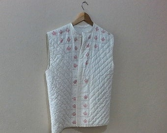 Vintage 1990s  Quilted Vest  quilted jacket vest  large XL, Ivory  Sleeveless Quilted Vest