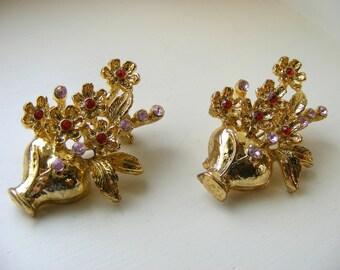 Vintage Flower Pot pair of Scatter Pins, Pink Orange Rhinestone Flower Brooch
