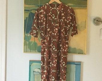 ON SALE vintage. 60s Nylon Paisley Print Dress • 1960s Dress • Sheath Dress • Retro Dress • Medium to Large Dress