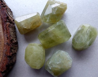 Destash Green Aquamarine Nuggets x 6