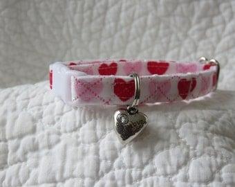 Valentine Cat Collar with heart Cat  Breakaway Collar Custom Made Valentine Cat Collar