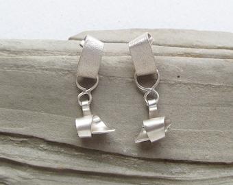 Swirl silver earrings, white earrings, bijoux argent