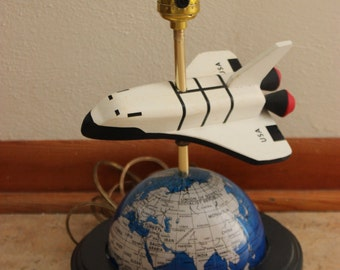 Unique Vintage USA Spaceship Sci-fi World Globe Lamp Outer Space Travel NASA