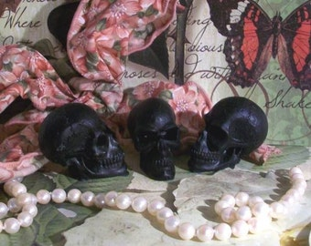 Beeswax Black Mini Skull Candle Set of 5