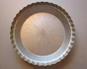 vintage DEEP DISH PiE TIN - WearEver - fluted edges - great for pumpkin pies, pot pie - tin C