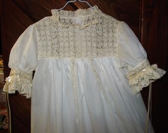 Heirloom dress size 5 white/ecru beautiful lace Pageant Portrait Communion Confirmation Wedding Beach Wedding Graduation