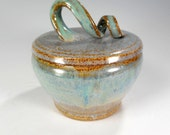 Ceramic sugar jar, ceramic sugar bowl with lid, pottery salt bowl, stoneware lidded jar, kitchen storage jar, bathroom storage jar