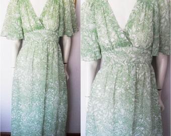 Vtg.70s Green White Pumpkin Angel Flutter Sleeve Maxi Dress by Jody T.Size;Small.Bust 34.Waist 26.