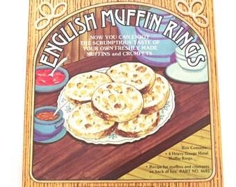 English Muffin Rings, Vintage Box of 4 Metal Rings (K4)