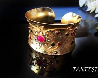 Gold cuff bracelet,KUNDAN Bangle Cuff,Gold Bangle,Indian Jewellery,Gemstone Cuff bracelet,Wedding Jewelry by Taneesi.