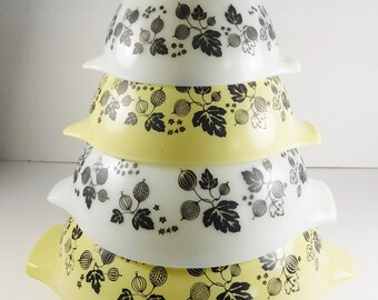 Pyrex Gooseberry Yellow/White Mixing Bowl Set Excellent Vintage Condition