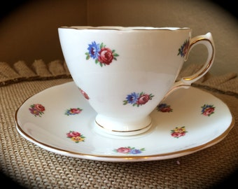 Royal Vale Bone China Colclough England Teacup Saucer Floral