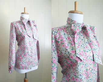 Vintage Secretary Blouse Floral Bow Tie Neck Shirt Top Small