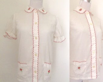 Vintage 1960s white cotton puff sleeve blouse / sixties Peter Pan collar scalloped embroidered blouse - small