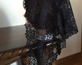 Triangle  Black  lace church chapel mantilla veil scarf - floral- scalloped  -
