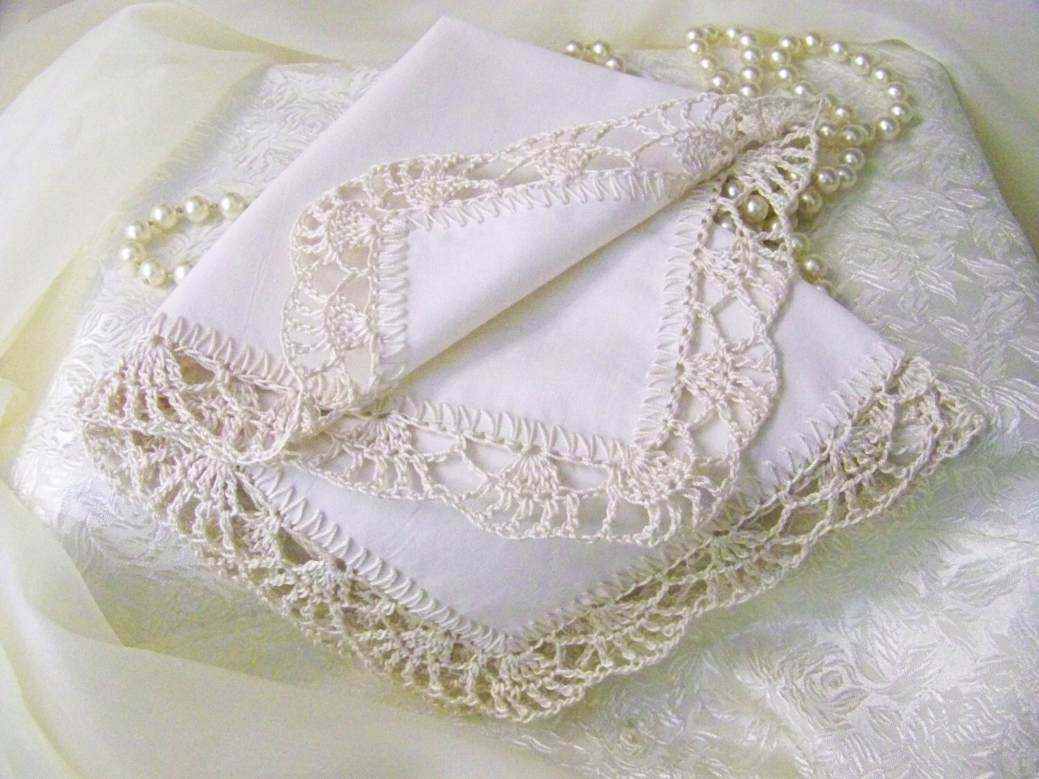 how to make a lace handkerchief
