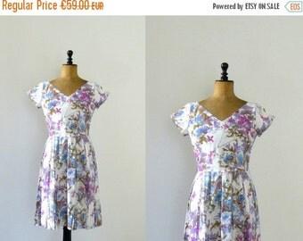 CLOSING SHOP 50% SALE / Vintage 1950s dress. lilac floral print dress. 50s pleated skirt dress