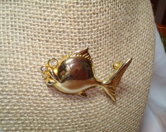 Goldie the Goldfish Bubble Pin.