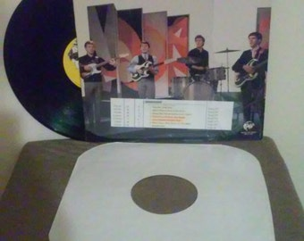 The Searchers vinyl record - Original - Greatest Hits vinyl - Vintage VInyl Lp in Near Mint Minus Condition