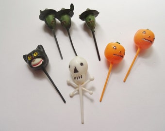 Vintage Halloween Cupcake Toppers, Halloween Cake Toppers, Halloween Party Decor, Halloween Witches, Cats, Pumpkins, Cats, Halloween Picks