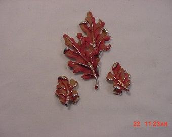 Vintage BSK Oak Leaf Brooch & Clip On Earring Set   16 - 74