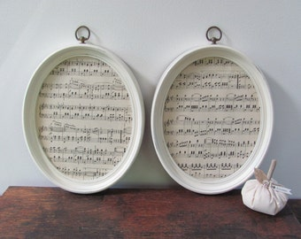 Oval Picture Frames, Pair of Vintage Cream Wall Frames,Antique White Oval Picture Frames