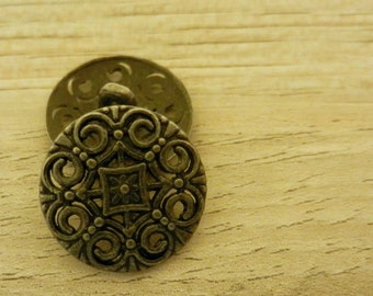 Metal Buttons 18mm Gothic Filigree with Shank 2pc