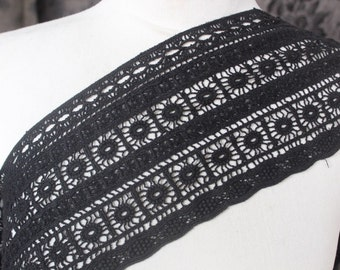 Very cute  black  color   venice  lace  1   yard listing