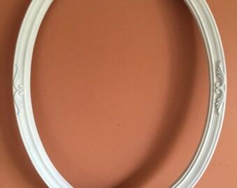 Vintage White Shabby Oval Frame