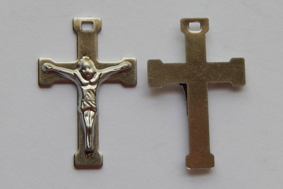 5 Pieces of Crucifix Charms - 26mm Long, Stainless Steel Metal, Silver Color, Rosary Parts, Crucifixes, Simple Style, Cross, Pendant, RR106