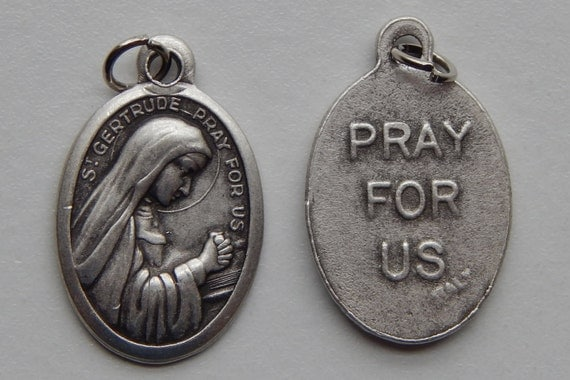5 Patron Saint Medal Findings - St. Gertrude, Die Cast Silverplate, Silver Color, Oxidized Metal, Made in Italy, Charm, Drop, RM412