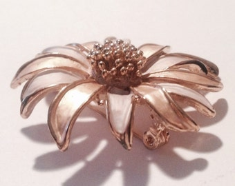 DAISY Brooch, Nice Size, Statement Jewelry, Simply Gorgeous!