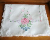 Vintage Embroidered Roses and Flowers Linen Table Runner w/ Lace Trim Shabby!