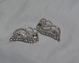 Vintage sparkiing Rhinestone leaf stems Pierced Earrings