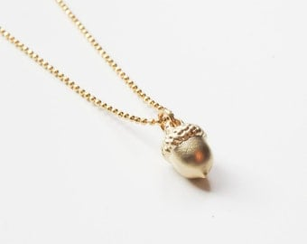Acorn Necklace | Gold Acorn Necklace | Acorn Pendant | Tiny Acorn Necklace | Layering Necklace | Fall Necklace