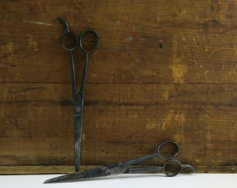Vintage Barber Shears Scissors / Griffon & Bowdin