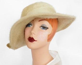 Vintage 1960s hat, tilt wide brim, tan faux fur Kutz