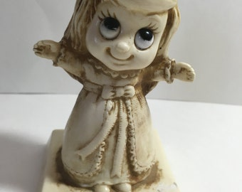 R&W I love you this much girl figurine