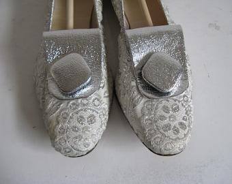 60s Vintage Silver Shoes Womens 1960s Silver Ballet Flat Shoes 6M