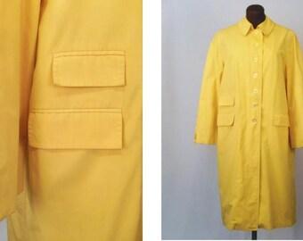Vintage 60's Women's Raincoat Yellow Poly Cotton Blend Size 16 / XL